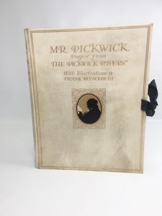 Mr Pickwick; Pages from the Pickwick Papers. Charles Dickens